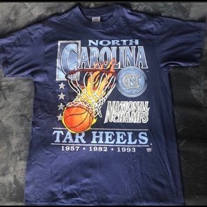 Vintage North Carolina/ UNC basketball tee